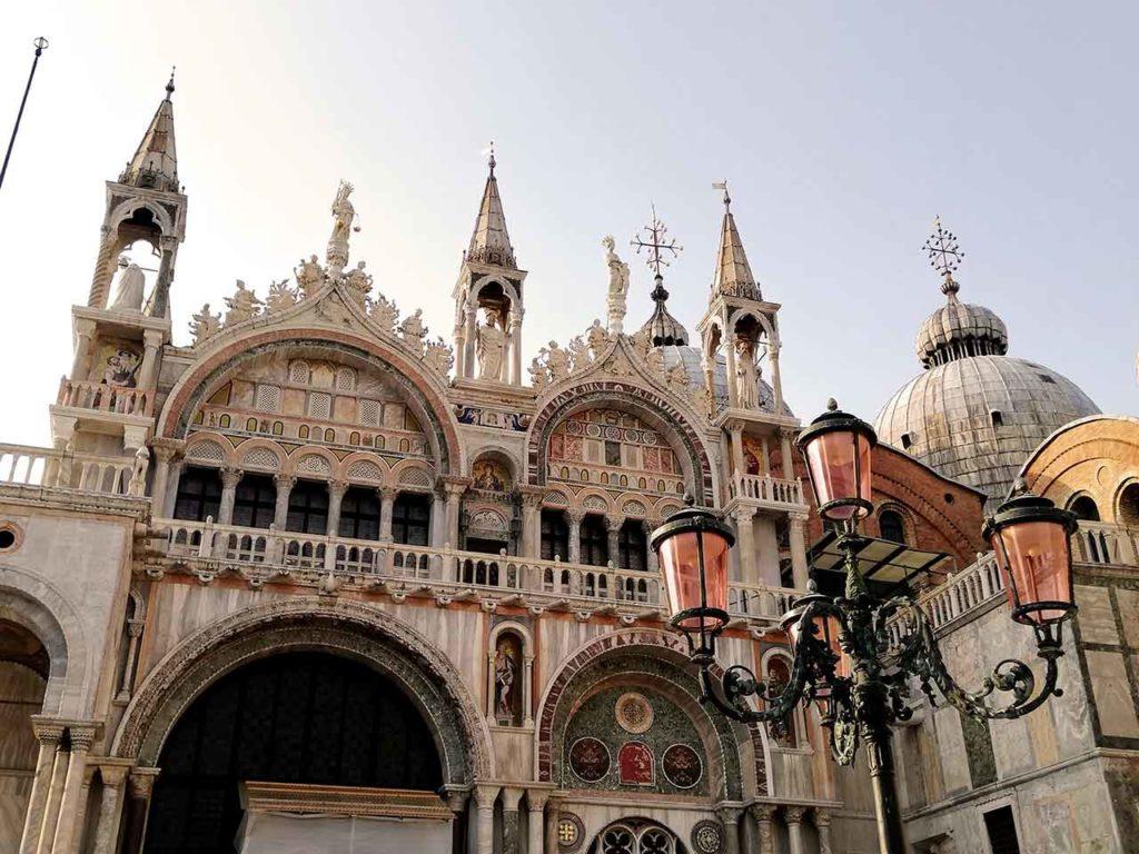 Markusdom in Venedig besichtigen
