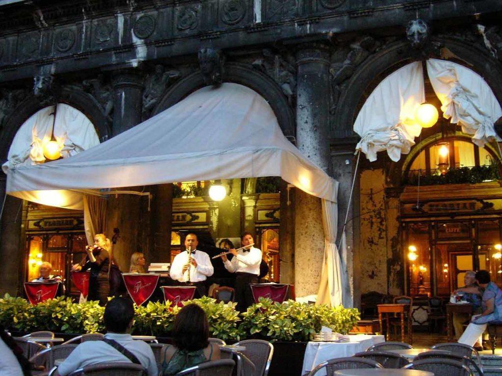 Cafés und Restaurants am Markusplatz