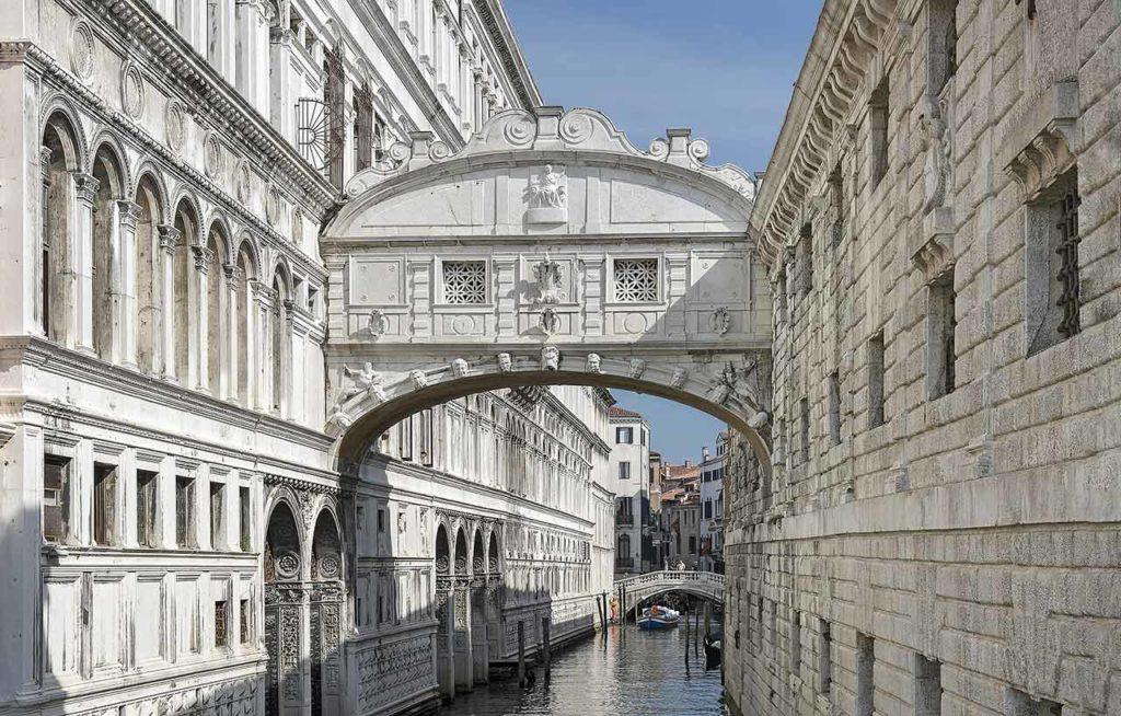 Die Bedeutung der Ponte dei Sospiri