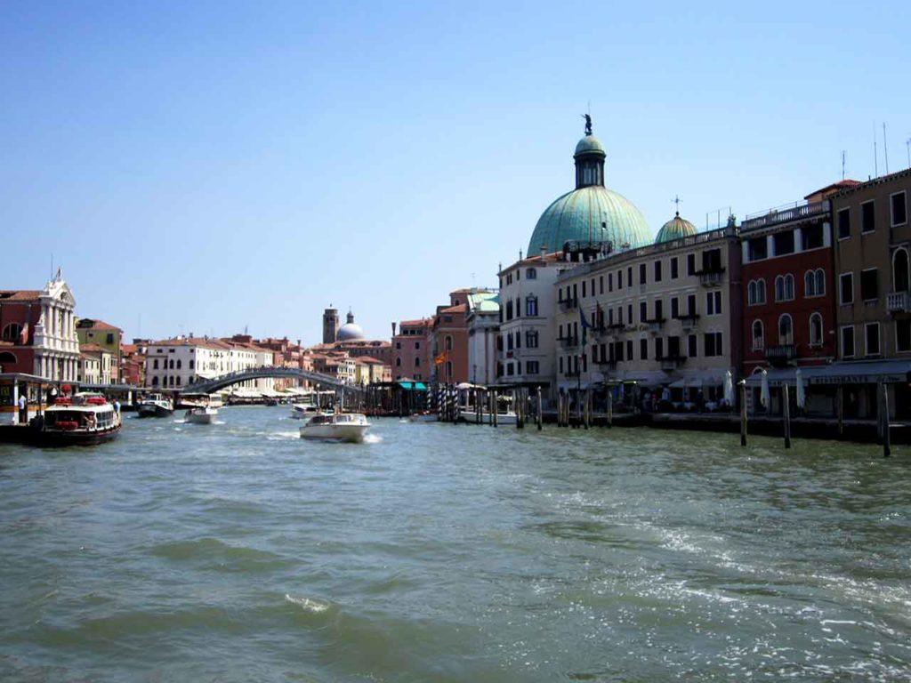 Der Canal Grande von Venedig - Infos, Verlauf, Gondeln und Transport